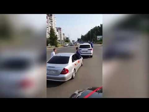 Свадебный кортеж в Иркутской области оштрафовали на 70 000 рублей