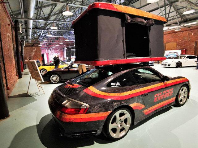 Игра в Porsche: в Санкт-Петербурге прошла выставка Fast and Famous