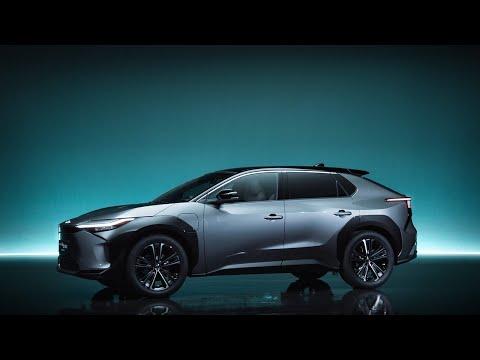Toyota представила свой первый массовый электромобиль (он размером с RAV4)