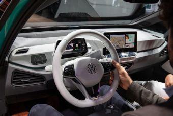 Volkswagen собирается продавать доступ к автопилоту за 600 рублей в час