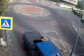 Волгоградец проверил возможности Тойоты Тундры на лестнице набережной города (ВИДЕО)