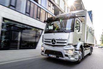 Mercedes-Benz представил электрический грузовик eActros с запасом хода 400 км