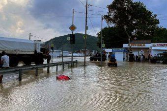 Федеральную трассу Джубга — Сочи перекрыли второй раз за сутки