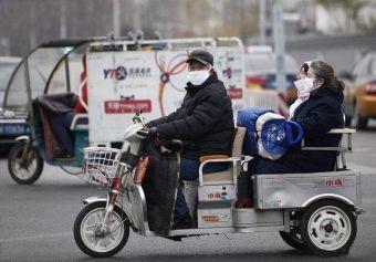 В столице Китая решили запретить популярные трехколесные мотоколяски