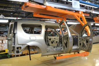АвтоВАЗ возобновил производство четырех моделей после однодневного простоя