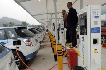 Власти КНР предложили наладить сотрудничество с РФ по электромобилям
