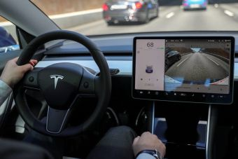 Тесла разрешит другим компаниям применять свой автопилот по лицензии