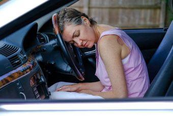 Британка 30 лет не может сдать экзамен на права после тысячи уроков вождения