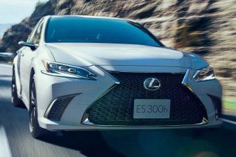 Lexus обновил свои легендарные цифровые зеркала на ES