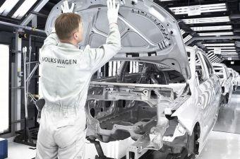Автозавод Volkswagen в Калуге встал из-за дефицита чипов