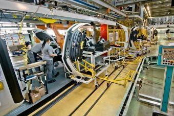 АвтоВАЗ собирается отыграть производственные потери после восстановления поставок комплектующих