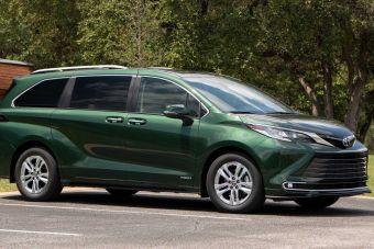 Минивэн Toyota возглавил рейтинг самых безопасных для задних пассажиров автомобилей