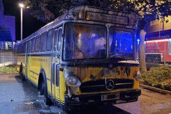 В Германии из-за нового электробуса сгорел музей редких старых автобусов (ВИДЕО)