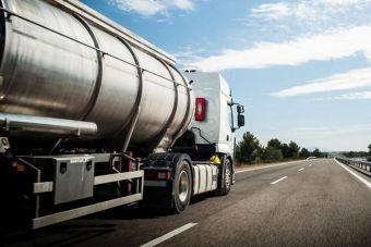 В Британии водители устроили погоню за цементовозом, думая, что он перевозит бензин