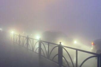 Екатеринбург затянуло густым дымом, кольцевую трассу перекрыли (ВИДЕО)